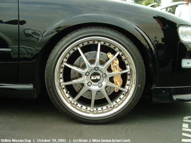 pics of your max with brake calipers painted maxima forums. Black Bedroom Furniture Sets. Home Design Ideas